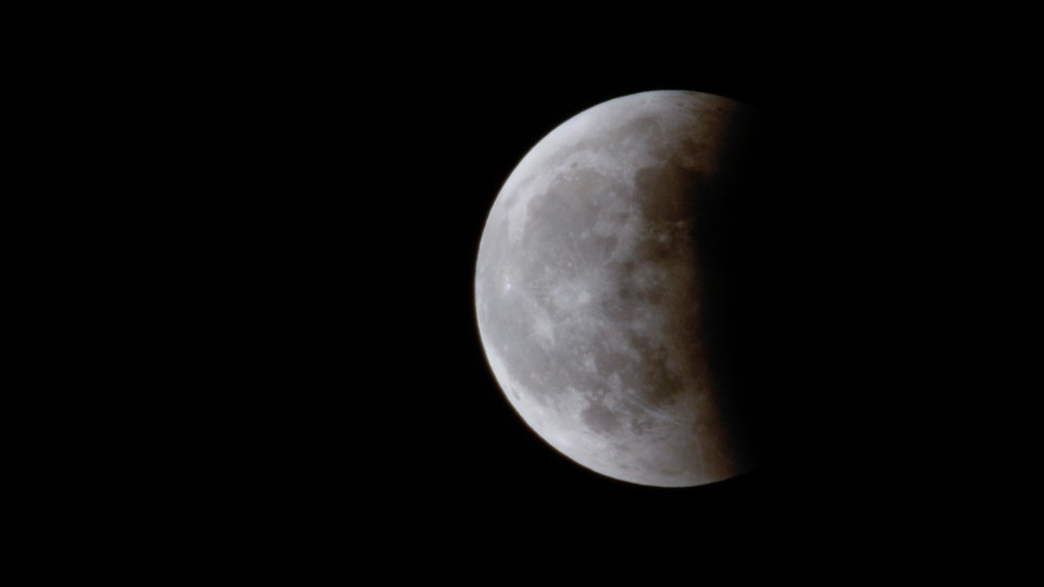 Total Lunar Eclipse occurs January 20, 2019